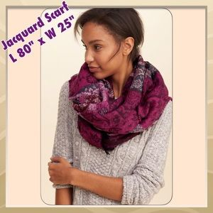 Hollister Accessories - SALE💜NWT⭐ Jacquard Scarf, Hollister