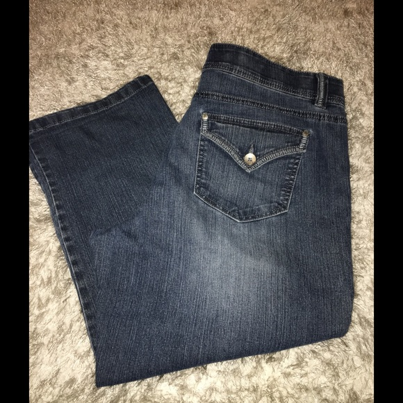 Bandolino - Bandolino Size 14 Denim Capris from Kimberly's closet ...
