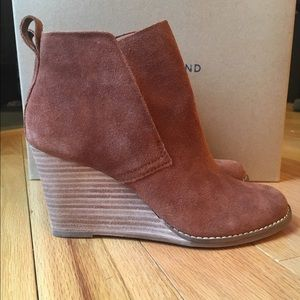 🎀LUCKY BRAND🎀 Yoniana Wedge Bootie