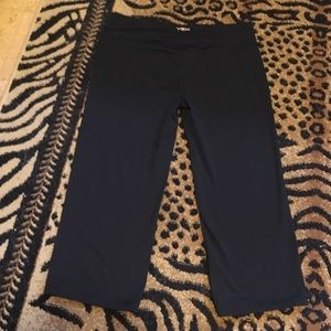 Victoria's Secret Pants - 1/13 VS VSX sport black capris