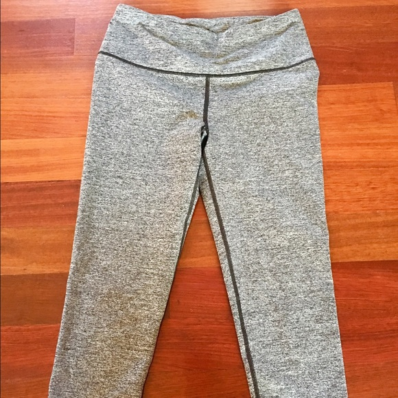 Victoria's Secret - Vsx knockout grey Capri workout pants from ...