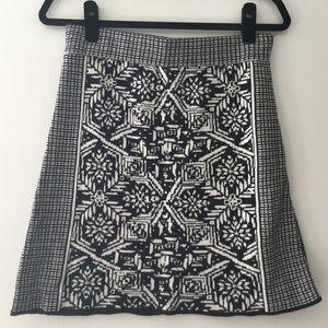 Black and White Print Short Sweater Skirt