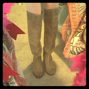 Head Over Heels Shoes - HeadOverHeels slouchy over the knee riding boots!