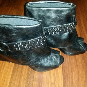 Embellished heel ankle bootie :) winter/fall