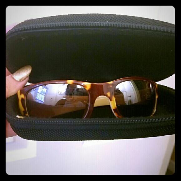 01d17f7dcb Revo tortoise shell design polarized sunglasses.  M 58790f08f739bcca9403ec63. Other Accessories ...