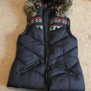Navy puffer vest with hood
