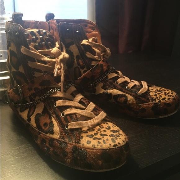 9f6ccabd5464a Sam Edelman Alexander Studded Sneaker animal print.  M 58791538d14d7b988e0405da
