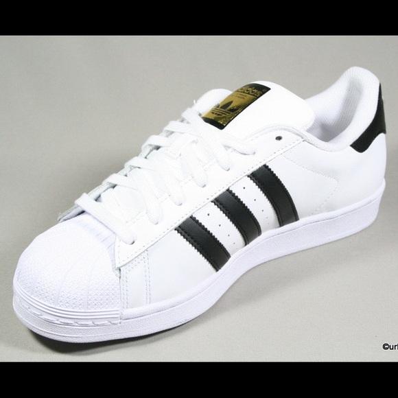 Poshmark Superstar Shoes Marque La Bandes Aux Adidas 3 Woman 8w1UqpnS
