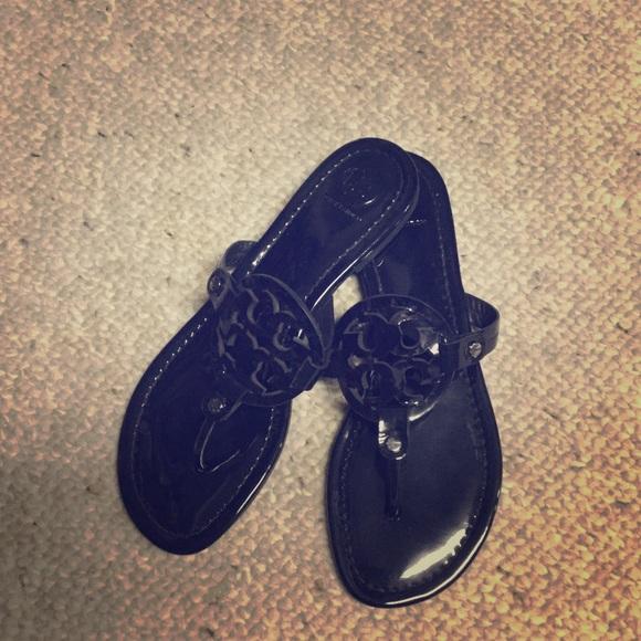 d676995e10293 Navy Tory Burch Miller sandals. M 587922df4e8d179199049d64