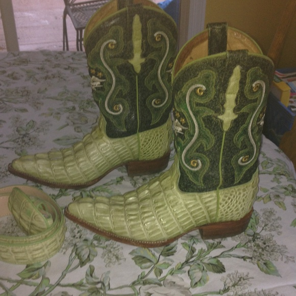 c777a4c0b94 Alligator cowboy boots/belt