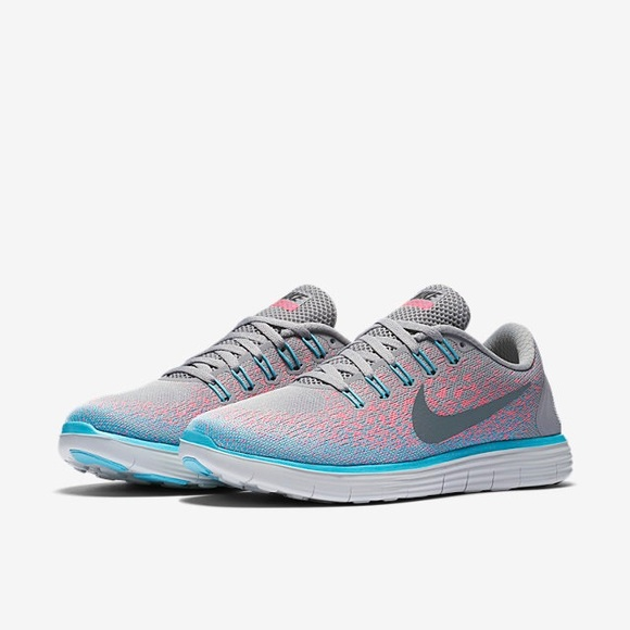 26d5492a209e9 NIKE Free Rn Distance Sneakers Pink Gray Blue