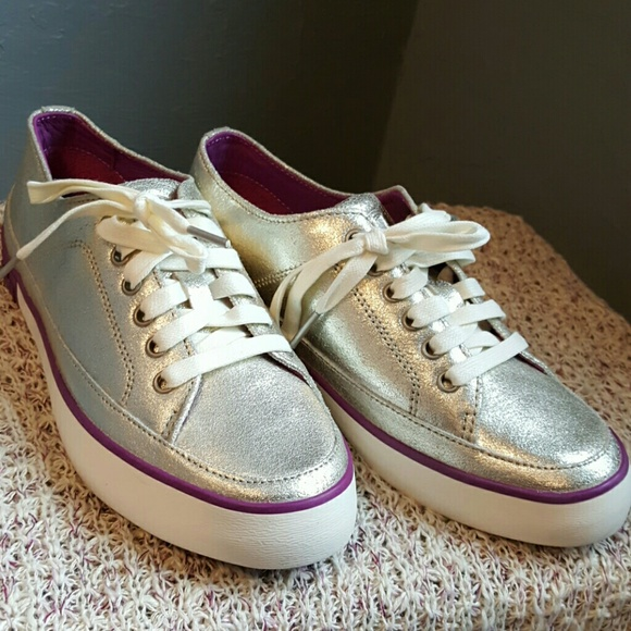 Fitflop Shoes Silver Sneakers With Purple Accents Poshmark