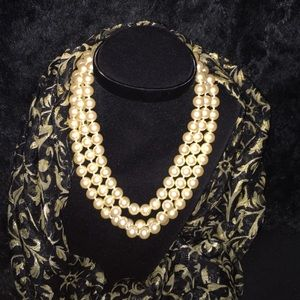 Carolee Jewelry - Carolee glass faux pearl 3 strand necklace