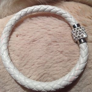 Jewelry - NEW! LEATHER BRAIDED MAGNETIC BANGLE BRACELET