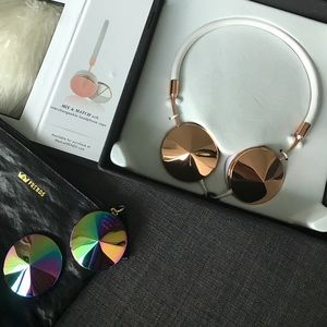 In BOX: never worn. LAYLA frends Headphones