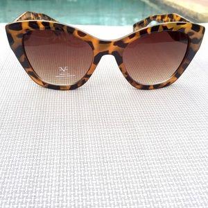 2e8e38db0061 Versace Accessories - NEW Versace V 1969 ITALIA Tortoiseshell Sunglasses