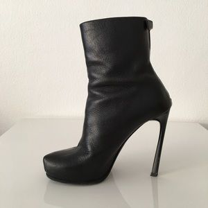 Lanvin Shoes - Lanvin Leather Ankle Boots