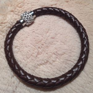 Jewelry - NEW! BRAIDED LEATHER MAGNETIC BANGLE BRACELET