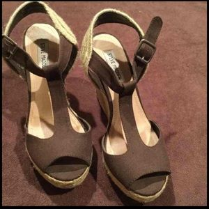 Steve Madden wedge sandals size 8.5 in EUC