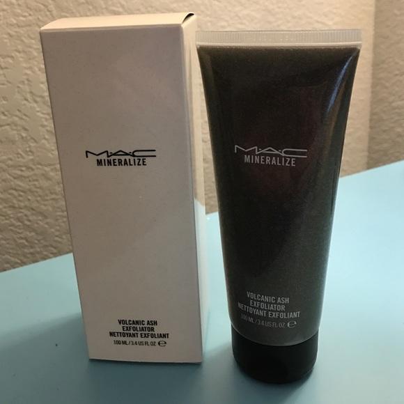 volcanic ash exfoliator mac cosmetics