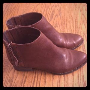 Vince camuto booties size 8.5