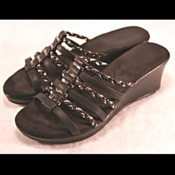 5bb0f2ce9f9c croft   barrow Shoes - CROFT   BARROW Piper Wedge Sandals