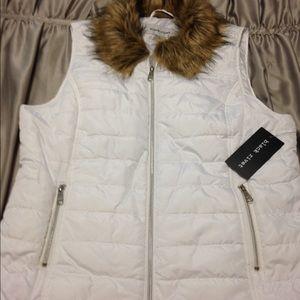 Black Rivet Jackets & Blazers - Black Rivet White puffer w/Faux Fur collar-Size XL
