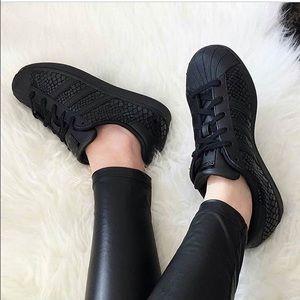 Adidas Shoes - Adidas originals superstar