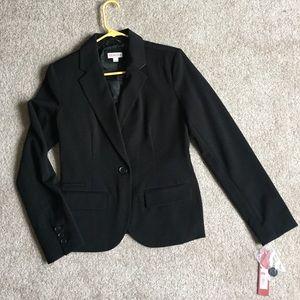 NWT Black Blazer, Size 4. Structured yet stretchy!