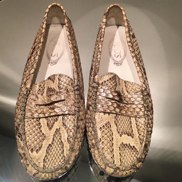 TOD s python snake skin loafer. M 58799150b4188e90c4026dae 526a93aa71e