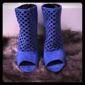Chic cobalt blue ankle boots