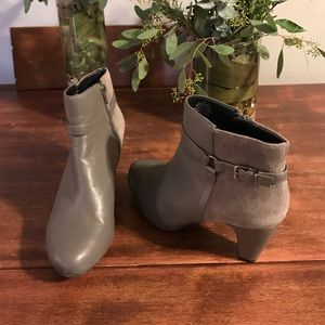 Easy Spirit Shoes - GORGEOUS EASY SPIRIT GREY LEATHER BOOTS W/ ZIPPER