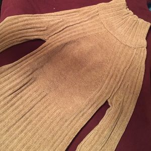 Sweaters - Turtleneck