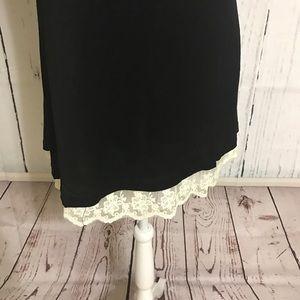 Umgee Tops - 🎈SALE 2 LEFT Black Tunic Hi Lo hem w lace -TO-33