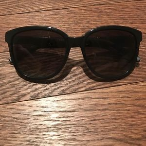 Chloé Black Sunglasses with case