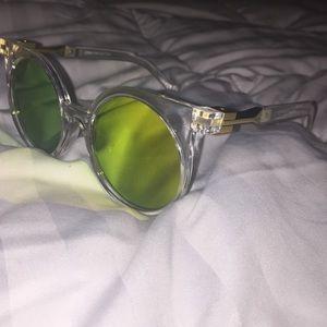 Accessories - Yellow mirrors sunglasses 😎