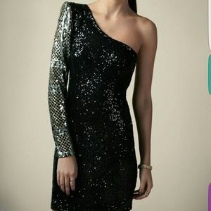 Boohoo Dresses & Skirts - BRAND NEW Sexy one padded  shoulder sequin dress