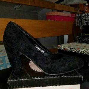 Shoes - Black heels