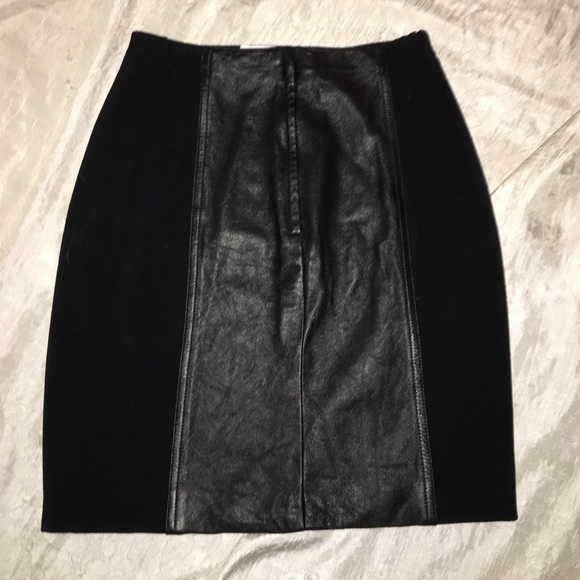 857582896900 Black 4 Panel Skirt by Stazione Elcanto