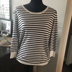 Two by Vince Camuto Sweaters - adorable Two by Vince sweater