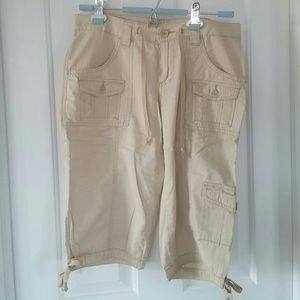 UNIONBAY Pants - Unionbay khaki capris