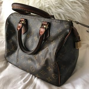 Louis Vuitton Handbags - Authentic 1990's Louis Vuitton Speedy 25