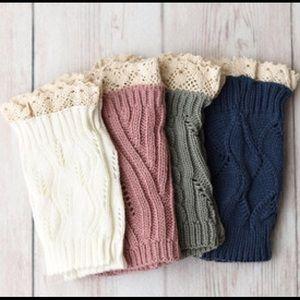 Boutique Accessories - Coral knee cuffs