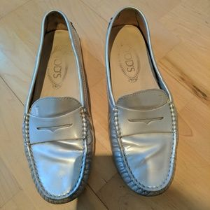 Tod's Shoes - Tod's Gommini moccasin in patent metallic