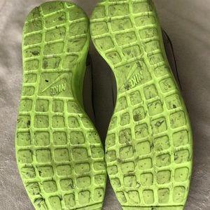 4e816b068557c Nike Shoes - Nike Roshe Run
