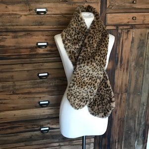H and M Leopard Print Faux Fur Stole - NWT