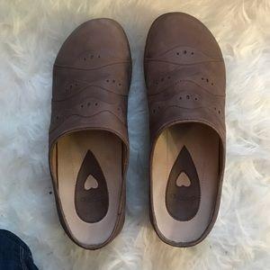 Dansko Shoes - NEW Dansko leather clogs
