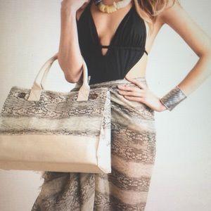 Ananda Design Handbags - HEAVY CANVAS SNAKE PRINT SMALL TOTE