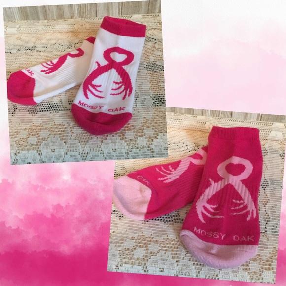 2 breast cancer awareness mossy Oak socks 68de2daac036