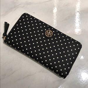 Tory Burch Handbags - 🆕Tory Burch Kerrington Polka Dot Wallet